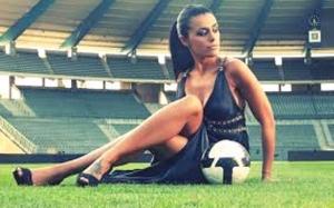 Κορίτσια παίξτε ποδόσφαιρο